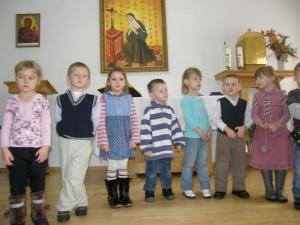 Nasi milusińscy - odwiedziny dzieci z przedszkola w Pierzchnicy